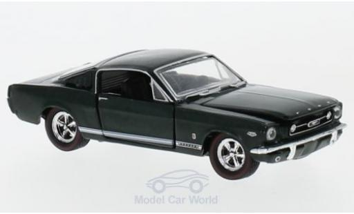 Ford Mustang GT 1/64 M2 Machines 2+2 Fastback verte 1970 miniature