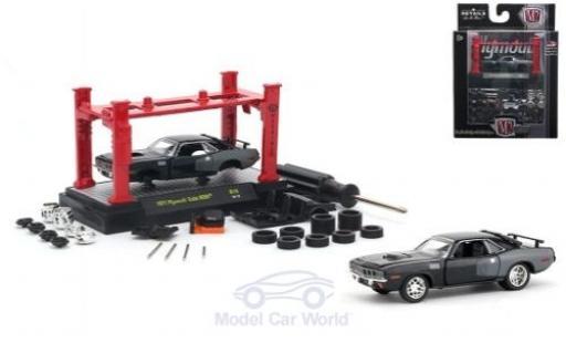 Plymouth Cuda 1971 1/64 M2 Machines HEMI metallic-black/grey 1971 Model-Kit Bausatz inklusive 4 Ersatzrädern diecast