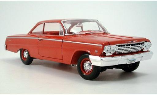 Chevrolet Bel Air 1/18 Maisto Coupe rouge 1962 sans Vitrine miniature