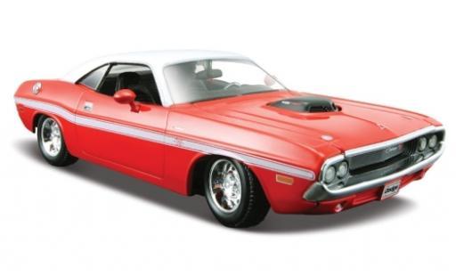 Dodge Challenger 1/24 Maisto R/T red/white 1970 diecast model cars