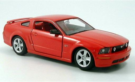 Ford Mustang 1/24 Maisto GT Coupe rouge 2006 miniature