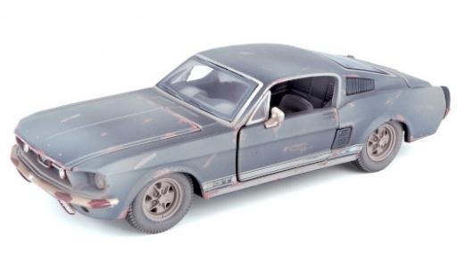 Ford Mustang 1/24 Maisto GT Fastback noire 1967 trouvaille de grange avec traces de vieilissement miniature