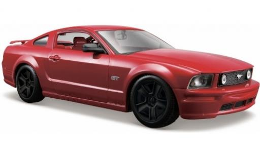 Ford Mustang 1/24 Maisto GT metallise rouge 2006 noir jantes miniature