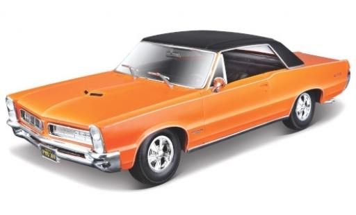Pontiac GTO 1/18 Maisto metallise orange/matt-noire 1965 miniature