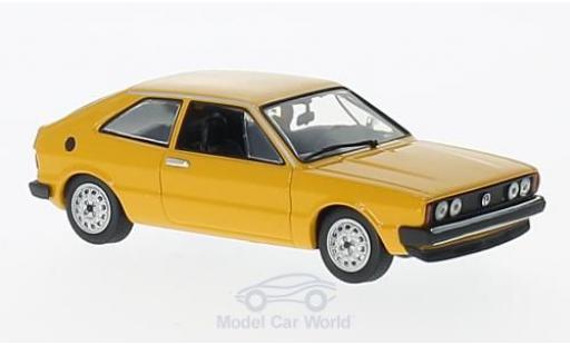 Volkswagen Scirocco 1/43 Maxichamps jaune 1974 miniature