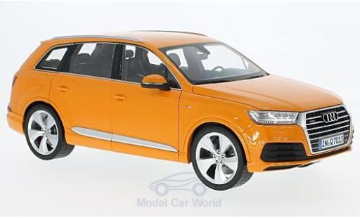 Audi Q7 1/18 Minichamps orange 2015 modellino in miniatura