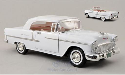 Chevrolet Bel Air 1/18 Motormax Convertible blanche 1955 Softtop und Persenning liegen bei miniature