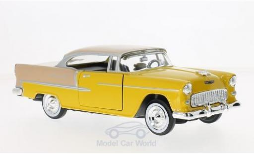 Chevrolet Bel Air 1/24 Motormax dunkeljaune/hellmarron 1955 miniature
