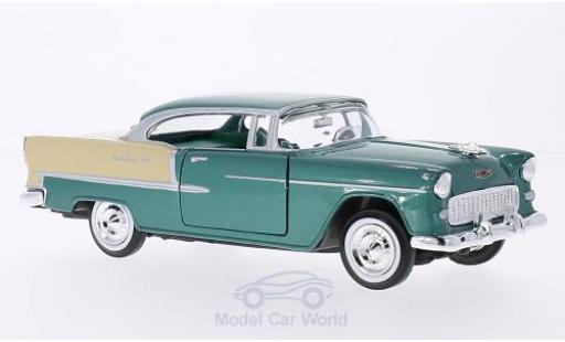 Chevrolet Bel Air 1/24 Motormax Hardtop metallic-grün/beige 1955 miniature