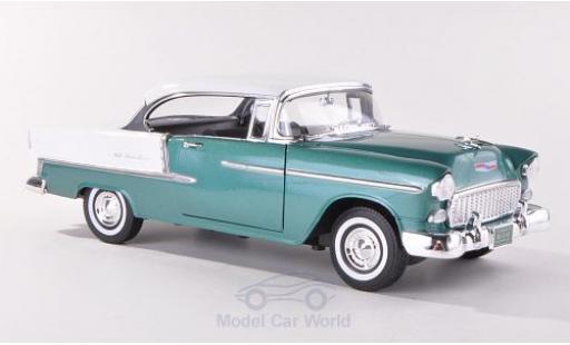 Chevrolet Bel Air 1/18 Motormax Hardtop métallisé verte/blanche 1955 miniature