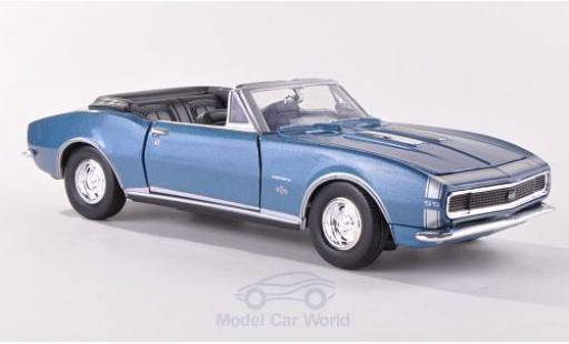 Chevrolet Camaro SS 1/24 Motormax Convertible metallic-bleue/Dekor 1967 Verdeck geöffnet miniature