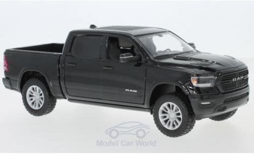 Dodge RAM 1/24 Motormax 1500 Crew Cab Laramie black 2019