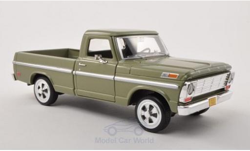 Ford F-1 1/24 Motormax 00 Pick Up metallise verte 1969 ohne Vitrine miniature