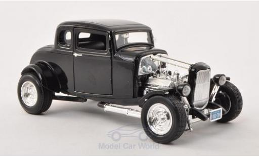 Ford Hot Rod 1/18 Motormax noire 1932 miniature