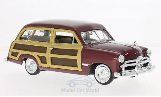 Ford Woody 1/24 Motormax Wagon metallic-dunkelrouge/Holzoptik 1949 miniature