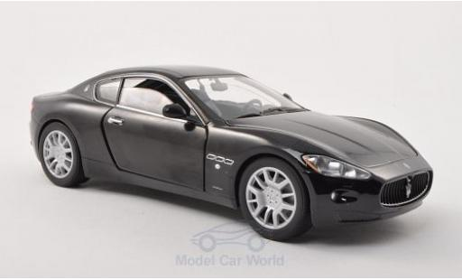 Maserati Gran Turismo 1/24 Motormax noire ohne Vitrine