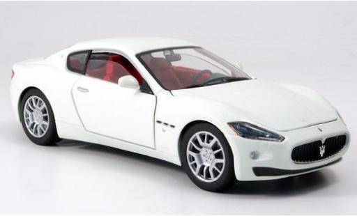 Maserati Gran Turismo 1/24 Motormax blanche sans Vitrine miniature