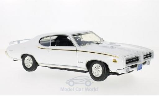 Pontiac GTO 1/18 Motormax Judge white 1969