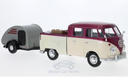 Volkswagen T1 B 1/24 Motormax Doppelkabine metallic-dunkelrouge/beige mit Surfboard und Teardrop-Anhänger miniature
