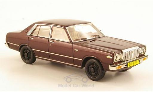 Datsun 200L 1/43 Neo Laurel (C230) metallise rouge miniature