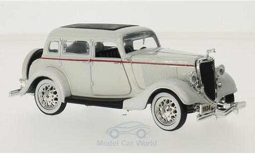 Ford Deluxe 1/18 New Ray or 1934 miniature