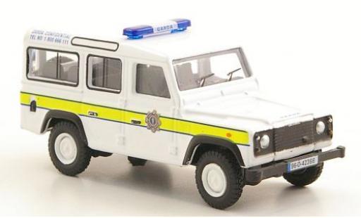 Land Rover Defender 1/76 Oxford Station Wagon Garda Confidential modellino in miniatura
