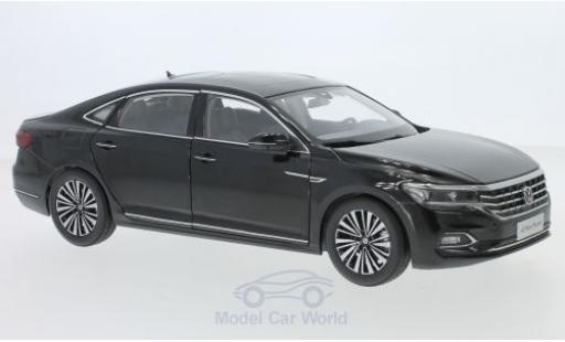 Volkswagen Passat 1/18 Paudi black 2019 diecast model cars