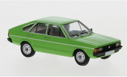 Volkswagen Passat 1/87 PCX87 B1 verte 1977 miniature