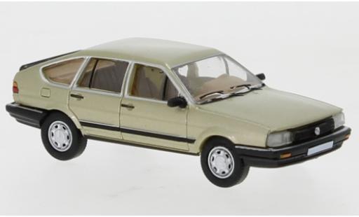 Volkswagen Passat 1/87 PCX87 B2 metallise beige 1985 miniature