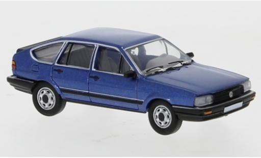 Volkswagen Passat 1/87 PCX87 B2 metallise bleue 1985 miniature