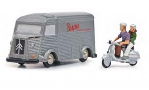 Citroen Type HY 1/90 Schuco Vespa avec Vespa et figurines diecast model cars