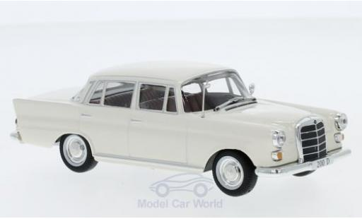 Mercedes 200 1/43 SpecialC 16 D (W110) beige 1965 ohne Vitrine diecast model cars