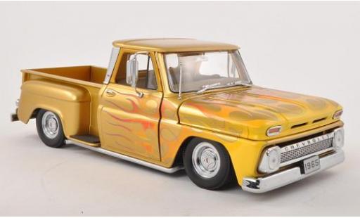 Chevrolet C-10 1/18 Sun Star Stepside Pick Up Low Rider gold/Dekor 1965 miniature