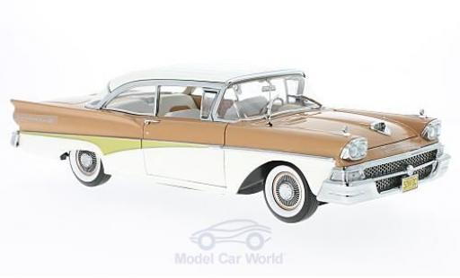 Ford Fairline 1958 1/18 Sun Star Failane 500 HardTop marron/blanche 1958 miniature