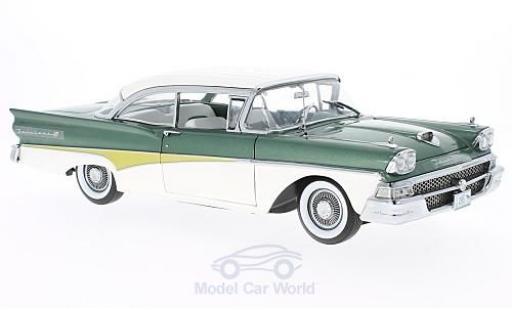 Ford Fairline 1958 1/18 Sun Star Failane 500 HardTop métallisé verte/blanche 1958 miniature