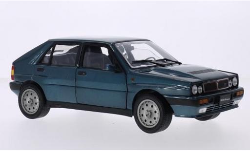 Lancia Delta 1/18 Sun Star HF Integrale 16V metallise bleue 1989 miniature