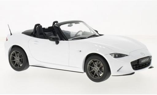 Mazda MX5 1/18 Triple 9 Collection blanche 2015 avec détachable Softtop sans Vitrine
