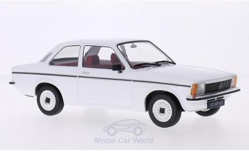 Opel Kadett E 1/18 Triple 9 Collection C Limousine blanche 2-Türer miniature