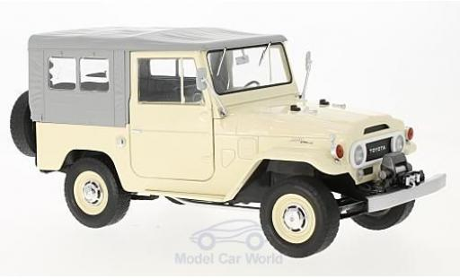 Toyota Land Cruiser 1/18 Triple 9 Collection FJ40 beige/grise 1967 miniature