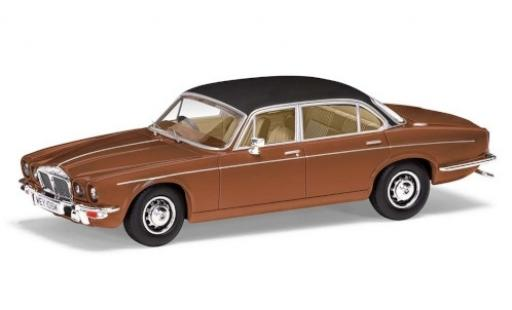 Daimler Double Six 1/43 Vanguards Series 2 Vanden Plas metallise marron/matt-noire RHD