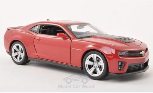 Chevrolet Camaro ZL1 1/24 Welly dunkelrouge 2012 miniature
