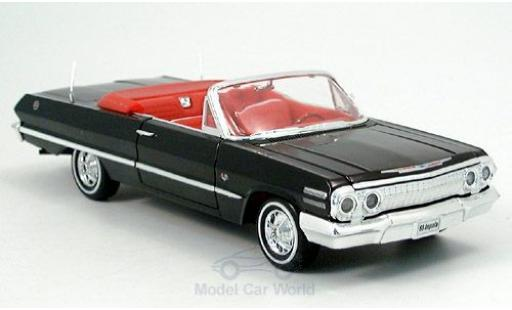 Chevrolet Impala 1/24 Welly Cabriolet noire 1963 ohne Vitrine miniature