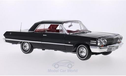 Chevrolet Impala 1/18 Welly Hardtop Coupe noire 1963 miniature