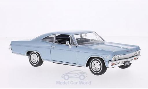 Chevrolet Impala 1/24 Welly SS 396 metallic-hellbleue 1965 miniature