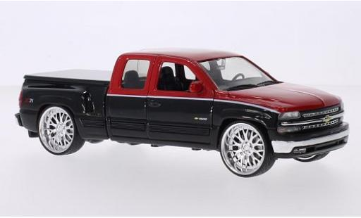 Chevrolet Silverado 1/24 Welly Extended Cab Tuning rouge/noire 1999 Prougeection de surface de chargement détachable miniature