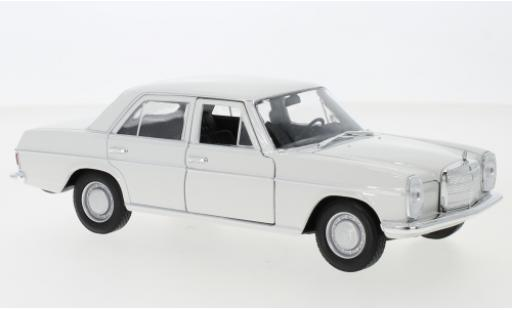 Mercedes 220 1/24 Welly (W115) blanche 1968 miniature