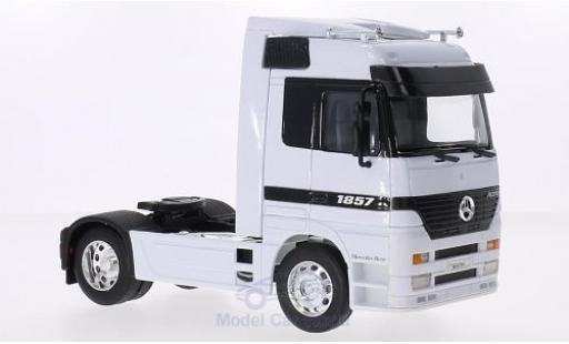 Mercedes Actros 1/32 Welly blanco miniatura