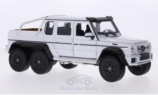 Mercedes Classe G 1/24 Welly G 63 AMG 6x6 white diecast model cars
