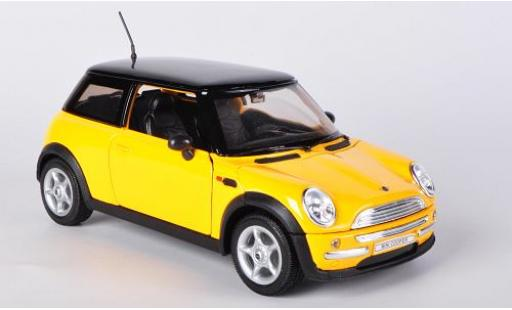 Mini Cooper 1/24 Welly jaune sans Vitrine miniature