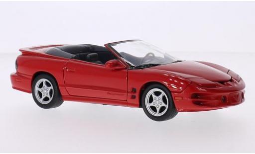 Pontiac Firebird 1/24 Welly Convertible rouge 2001